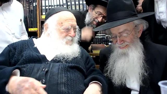 """צפו: בן הרבנית קולדצקי ונכד הגר""""ח התארס"""